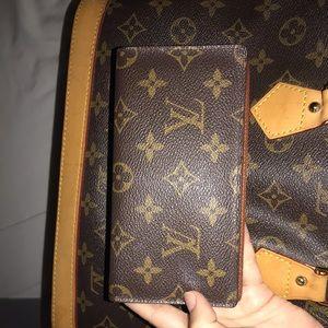 Louis Vuitton checkbook 💛